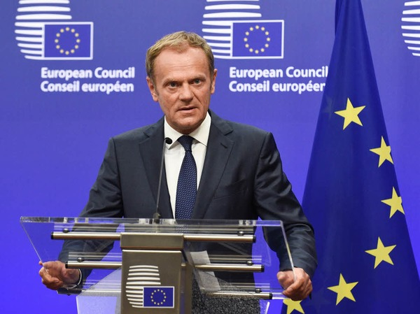 EU-Ratspräsident Donald Tusk spricht bei einer Ansprache in Brüssel von einem ernsten, sogar dramatischen Moment - besonders für Großbritannien.