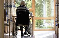 Richterin stellt Verfahren wegen Beleidigung eines Rollstuhlfahrers ein