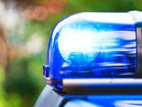 Sattelzug f�hrt auf Pkw auf – 5 Verletzte