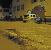 Unwetter im S�dwesten: Wohngebiete und Festivals betroffen