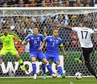 Deutschland souver�n im Viertelfinale
