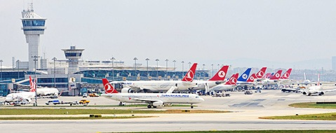 Mehrere Tote bei Explosionen am Flughafen von Istanbul