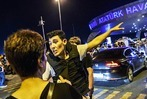 Fotos: Selbstmordanschl�ge am Flughafen Istanbul