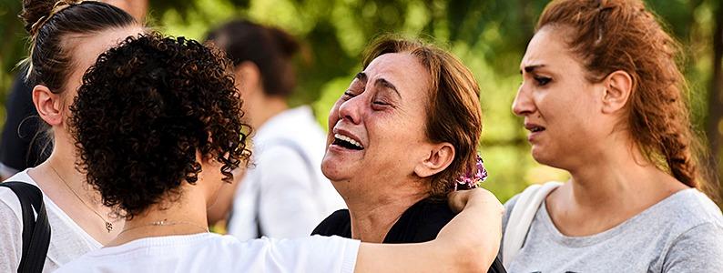 Mindestens 39 Tote bei Terroranschlag in Istanbul - T�rkei sucht Drahtzieher