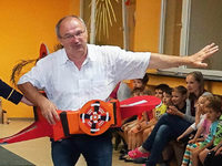 Wie Kinder B�rgermeister Rainer K�nig verabschiedet haben