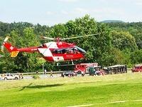 Schwerverletzter bei Unfall auf B34: Sattelzug umgekippt