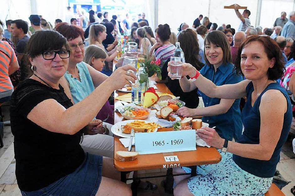 Das Fest beginnt: Der Freitagabend (Foto: WOLFGANG KUENSTLE               )
