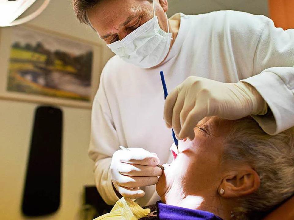 Nicht gerade beliebt: der Besuch beim Zahnarzt    Foto: dpa Deutsche Presse-Agentur
