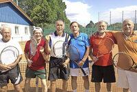 Männer des TC 65 steigen als Meister in die Regionalliga auf