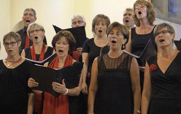 Chor bringt Kirchenraum zum Klingen