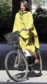 Studentinnen entwerfen fahrradtaugliche Berufsmode f�r Frauen