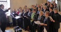 """Der Kirchenchor konzertiert unter dem Motto """"Fr�hlichkeit und leichtes Leben"""" in St. M�rgen"""