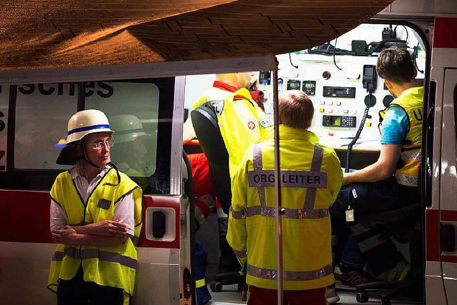 Freitag: Koordination des Rettungseinsatzes (Foto: dpa)