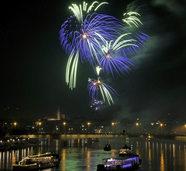 Konzerte und Feuerwerk auf dem Rhein