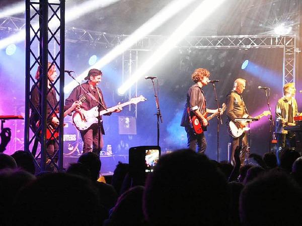 """Rund 1600 Fans feierten mit """"The Hooters"""" beim Open Air im Park eine laue Sommernacht"""
