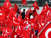 40.000 huldigen Erdogan bei Gro�kundgebung in K�ln