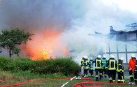 Feuer in einer Reithalle in Kehl – Pferde galoppieren in Panik davon