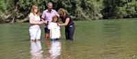F�nf Taufen am neuen Rheinufer
