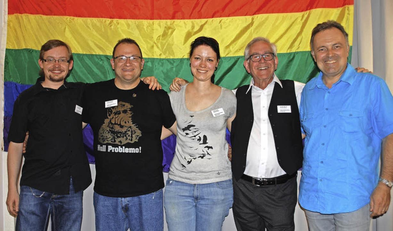 Andreas Bühler, Jonny Schuler, Sonja S...erstehen der schwul-lesbischen Gruppe.  | Foto: Thomas Loisl Mink