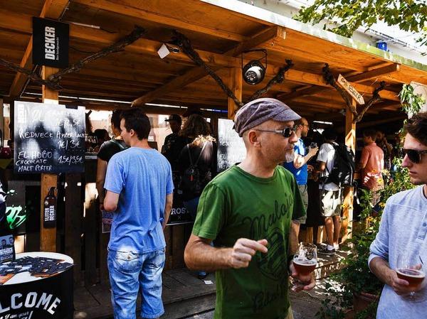 Bei Super-Sommerwetter ließen sich die Besucher des Craftivals von handgemachten Bieren erfrischen.