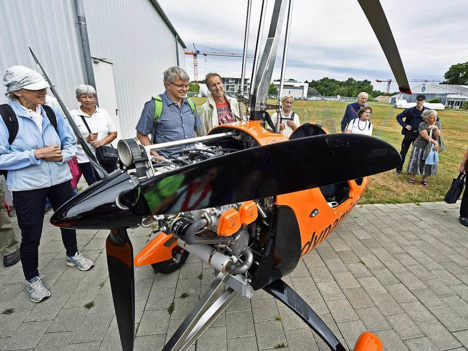 Der orangefarbene Tragschrauber der Fl..., ist aber ein vollwertiges Fluggerät.  | Foto: Michael Bamberger