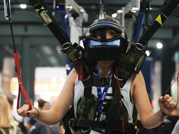 Fallschirmsprung in virtueller Umgebung.