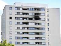 Nicht zwei, sondern drei Verletzte bei Hochhausbrand in Weingarten
