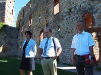 Staatssekret�rin Gisela Splett besichtigt die Burg R�tteln