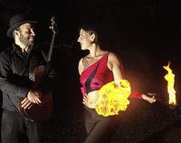 Feuerk�nstler erhellen die Musiknacht
