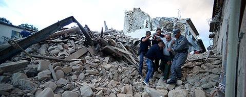 Erdbeben ersch�ttert Zentralitalien - Tote und Verletzte