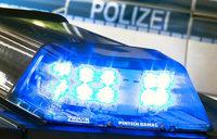 Betrunkene 80-J�hrige rammt Polizeiauto