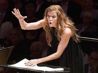 Sind Frauen die besseren Dirigenten?
