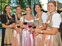 Hei�er Auftakt bei Badens gr��tem Weinfest