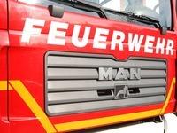 Feuer zerst�rt Wohnhaus - Drei Leichtverletzte