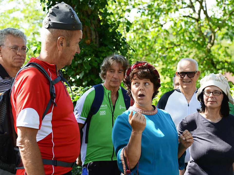 Burgfräulein Brigitte mit Knappe Kunibert und Magd Erika  | Foto: Rita Eggstein