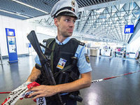 Frankfurter Flughafen l�sst vor�bergehend Terminal r�umen