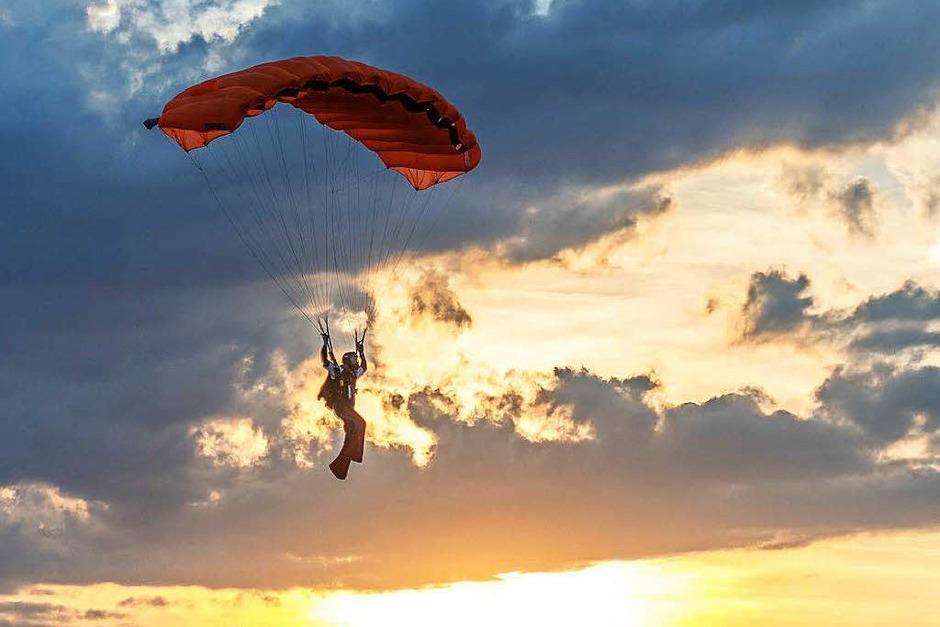 Bilder von der Deutschen Meisterschaft im Fallschirmspringen. (Foto: Ernst Schindl)