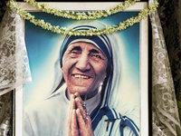 """Engel der Armen"": Mutter Teresa wird heiliggesprochen"