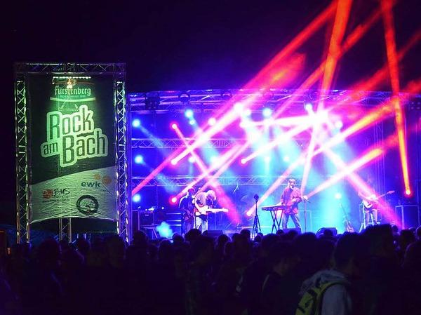 """Das Festival """"Rock am Bach"""" in Kirchzarten hat sich in der südbadischen Musikszene etabliert. Rund 1500 Besucher kamen an den beiden Tagen ins Dreisamtal."""