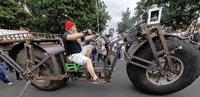 Lkw-Fahrer konstruiert rekordverd�chtiges Monsterbike