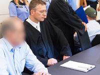 Mord an 17-J�hriger: Lange Haft f�r planlose T�ter
