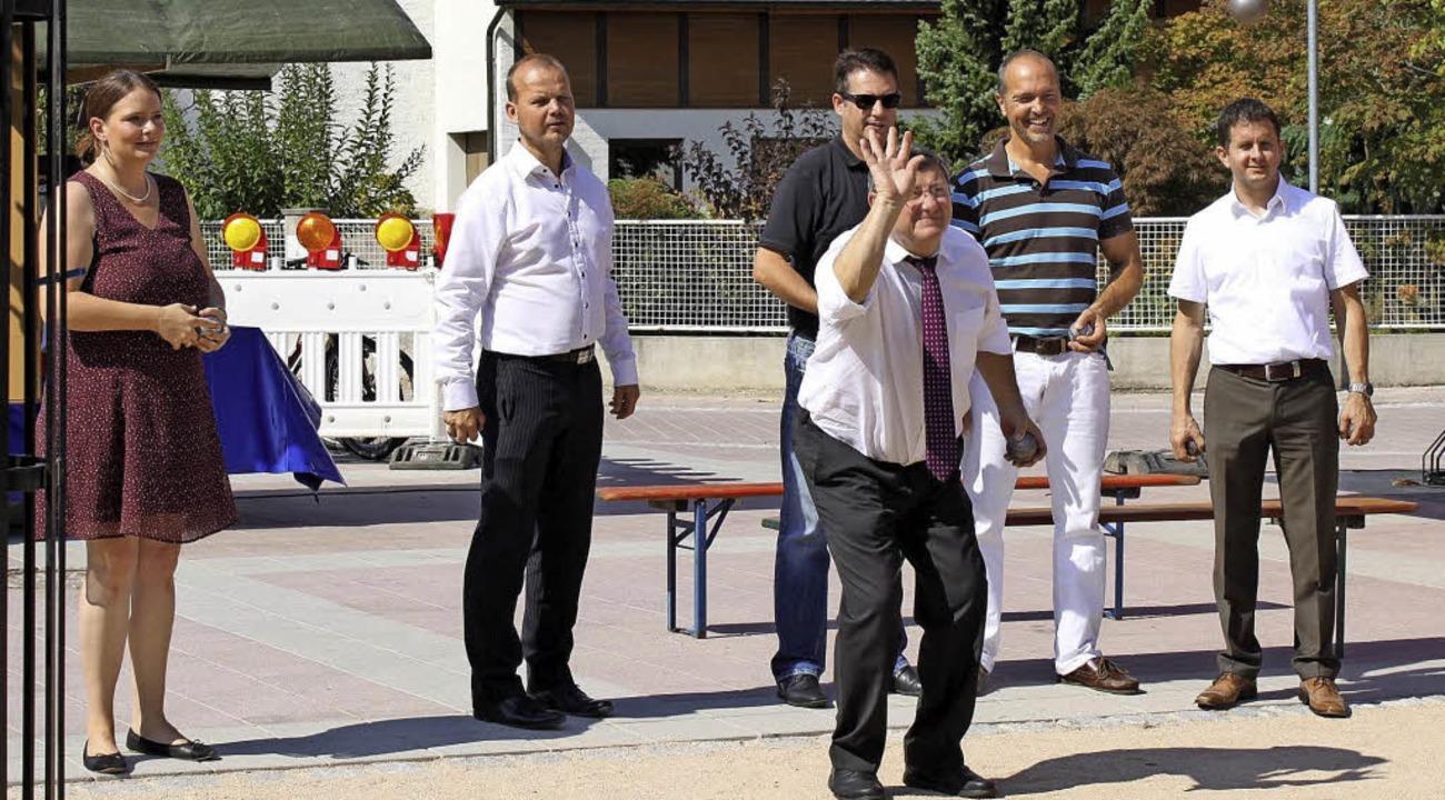 Beim Boulespiel hatte das Team Kirchpl...am Rathausplatz eine gute Figur abgab.  | Foto: Adelbert Mutz