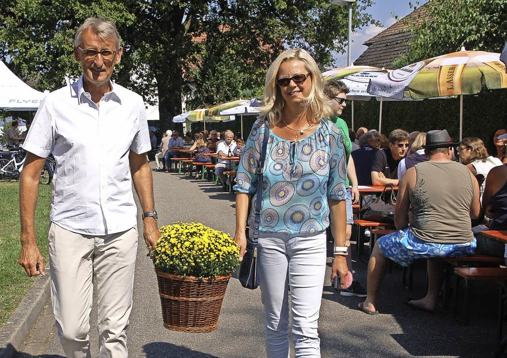 Armin und Kathrin Schuster brachten Bl...enfest in und um die Dinkelberghalle.   | Foto: Petra Wunderle
