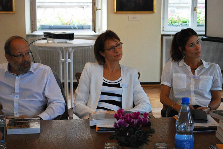 Die drei Autoren Jeanne Guérout, Aurélie Luneau und Stefan Martens (von links)  | Foto: Sylvia-Karina  Jahn