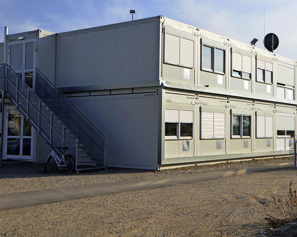 Wohncontainer f r fl chtlinge werden abgebaut bad for Smart haus wohncontainer