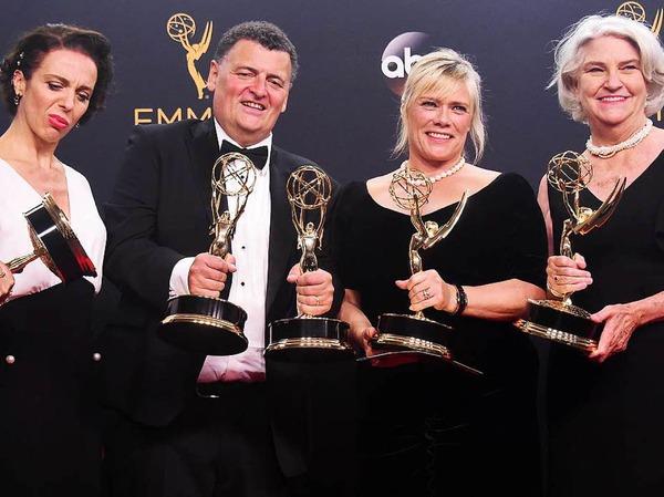 """Amanda Abbington, Steven Moffat, Sue Vertue und Rebecca Eaton gewannen mit dem Fernsehfilm """"Sherlock: The Abominable Bride""""."""