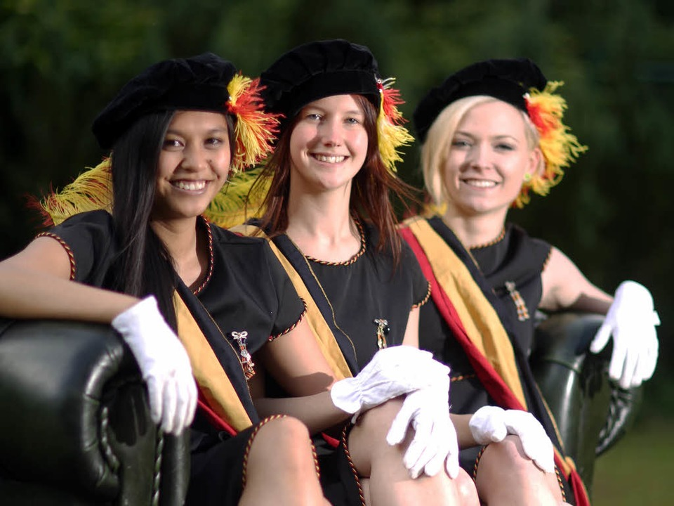 Mitglieder der weiblichen Verbindung «... (AV) Normannia zu Mainz» (Archivbild)  | Foto: Fredrik von Erichsen (dpa)