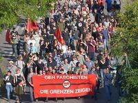 250 Menschen demonstrieren gegen Rechts