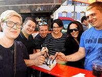 Lange Schlangen und volle B�uche beim BZ-Foodtruck-Fest