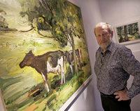 Albert Reichenbach zeigt seine vom Schwarzwaldmotiv sich verselbsst�ndigende Malerei in Lahr